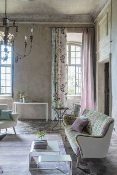 Designers Guild Pomander fabric print pastels and whitewash, soo pretty Living Room Accents, Living Room Sets, Home Interior Design, Interior Decorating, Decorating Ideas, Decor Inspiration, Tadelakt, Bedroom Layouts, Luxurious Bedrooms