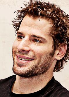 Ryan Kesler - love his smile. Pls don't leave the Canucks. Ryan Kesler, Kensington Books, Vancouver Canucks, Historical Romance, Hockey Players, Love Him, Smile, Nhl, Awesome