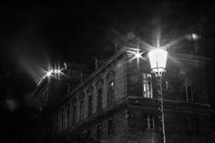 MAUD WEBER Une lumière dans la nuit #1 24 x 36 Photographie 280€ Les Oeuvres, Photos, Biography, Night, Contemporary, Artist, Photography, Pictures