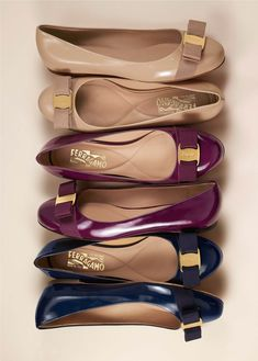 Salvatore Ferragamo These would look quite girly and feminine on you. Ferragamo Shoes Women, Salvatore Ferragamo Shoes, Pretty Shoes, Beautiful Shoes, Foto Still, Cute Flats, Dream Shoes, Comfortable Shoes, Me Too Shoes