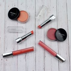 Two Colours that are perfect for the summer time. Revlons Ultra HD Lipstick in HD Rose & HD Geranium.