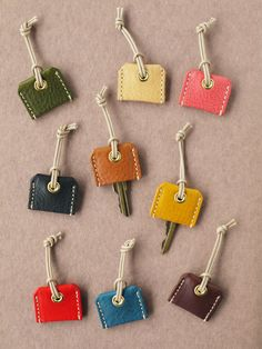 MB キ ー カ バ ー- MBキーカバー Key caps for separating the keys - Leather Accessories, Leather Jewelry, Leather Keychain, Leather Wallet, Crea Cuir, Leather Scraps, Leather Gifts, Leather Projects, Small Leather Goods