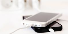 Save battery on your iPhone with these 30 tips, updated for iOS 12 and Apple Watch. Your iPhone battery can last much longer with a few tweaks. Apple Iphone, Iphone 6, Iphone Hacks, Iphone Charger, Diy Cleaning Products, Cleaning Solutions, Cleaning Hacks, Office Cleaning, Smartphone