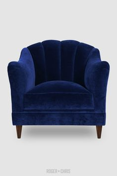 Pantone has been influencing both fashion trends and interior design for decades. Have a look at the Lapiz Blue, the essential color for your velvet armchair. Cheap Bedroom Furniture Sets, Blue Furniture, Furniture Design, Blue Armchair, Velvet Armchair, Blue Velvet Sofa, Fabric Armchairs, Blue Home Decor, Living Room Chairs