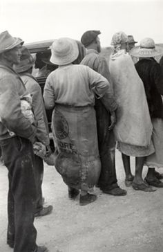 Migrant Workers in Line for Day's Pay  1939
