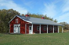 metal barn homes I want this Lester Building! Metal Building Homes Cost, Metal Shop Building, Metal Barn Homes, Pole Barn Homes, Building A House, Building Plans, Pole Barns, Building Systems, Building Design