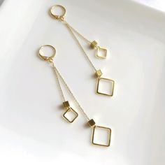 Jewelry Design Earrings, Gold Earrings Designs, Ear Jewelry, Cute Jewelry, Designer Earrings, Modern Jewelry, Fashion Earrings, Women's Earrings, Jewelery