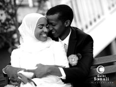 Somali wedding - somali aroos Somali happiness time Interracial Couples, Muslim Couples, Black Couples, Cute Couples, Somali Wedding, African American Weddings, Afro Style, Modest Wedding, Just Married