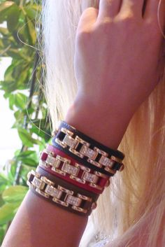 Leather bracelet with rhinestone and chain