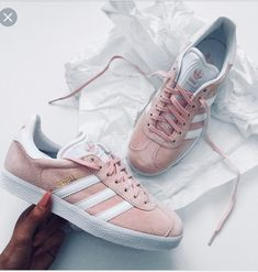best loved ad9f3 b74d5 Gazelle rose pâle  femme Tommy Hilfiger, Light Pink Sneakers, Shoes  Sneakers, Shoes