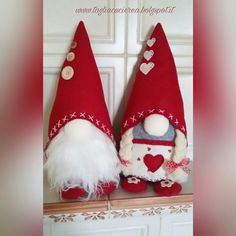 Scandinavian Tomte Ollie Nordic Nisse by DaVinciDollDesigns Easy Christmas Crafts, Christmas Gnome, Christmas Sewing, Christmas Projects, Christmas Decorations, Pink Christmas Tree, Scandinavian Gnomes, Scandinavian Christmas, Felt Ornaments