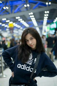 A Thai girl Beautiful Japanese Girl, Beautiful Girl Image, Beautiful Asian Girls, Makeup Korean Style, Ideal Girl, Uzzlang Girl, Cute Korean Girl, Rap, Poses