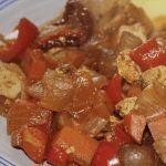 Wil jij een goulash maken? Wij hebben een heerlijk recept voor je! ✓Hongaarse stoofschotel ✓100% natuurlijk ✓Gezonde lunch