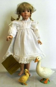 Elsa-Old-Country-Porcelain-Doll-Linda-Mason-Georgetown-Collection-17-1998