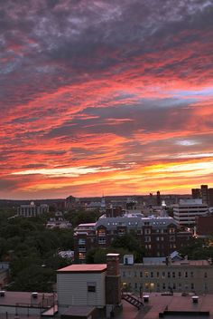 Stunning sunset sky over Cambridge, MA. I think I would like to live here <3