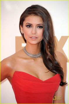 2. Nina Dobrev The Vampire Diaries star looked mouthwatering in red (the hue of the night), and set herself apart with this Neil Lane diamond studded choker, perfectly offsetting her Donna Karan gown's vampy neckline.