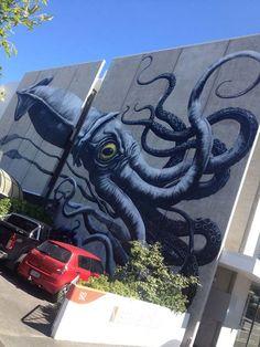 Street Artists around the World - Belgian artist ROA in New Zealand
