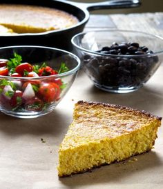 This recipe for Old Fashioned Gluten Free Cornbread is super easy to make and the outcome is delicious. Get out your cast-iron skillet and in about thirty minutes, you can be biting into a piece of yummy cornbread. Gluten Free Bread Recipe Easy, Gluten Free Cornbread, Gluten Free Recipes, Low Carb Recipes, Vegan Recipes, Drink Recipes, Bread Recipes, Healthy Eating Tips, Healthy Nutrition