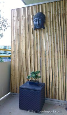 Cute Divide Room Decoration Ideas That Look Great Bamboo Roof, Bamboo Wall, Bamboo Fence, Bamboo Room Divider, Diy Room Divider, Hanging Room Dividers, Small Balcony Design, Small Balcony Decor, Small Patio
