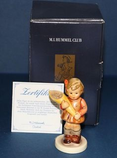 Goebel M.I. Hummel Club SWEET OFFERING girl with bouquet figurine Hum 549 3/0 #babescollectibles