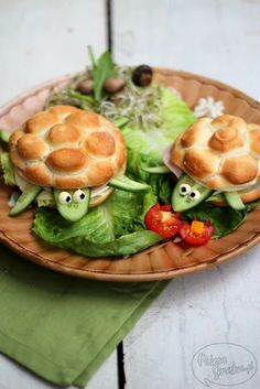 Palette of Taste: Sandwich turtle. I wish this was in English, but it's too cute not to share.