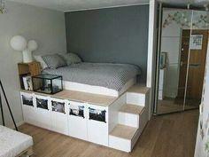 Afbeelding via We Heart It https://weheartit.com/entry/162855224/via/19217169 #bedroomdecor #decor #roomdecoration #highbed #storageroom #maximizespace