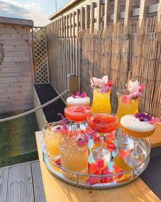 Fancy Drinks, Summer Drinks, Brunch Drinks, Tasty, Yummy Food, Aesthetic Food, Food Cravings, Love Food, Alcoholic Drinks