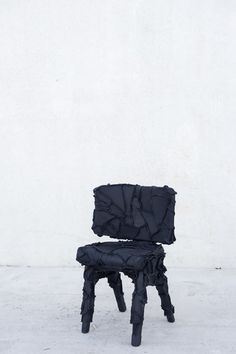 Skin Collection is a series of furniture covered in leather remnants. Pepe Heykoop used what was leftover from leather furniture companies to cover chairs. Chair Design, Furniture Design, Furniture Covers, Unusual Furniture, Old Chairs, Precious Children, Simple Colors, Mid Century Modern Design, Graphic