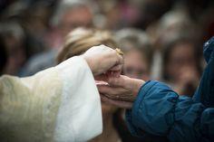 In fila per la Santa Comunione…sono davvero tutti in stato di grazia?