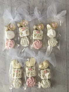 Find some good ideas for bridal shower cookies and wedding cookies to use for your wedding. Unique Bridal Shower, Bridal Shower Favors, Bridal Shower Decorations, Baptism Favors, Cookie Wedding Favors, Wedding Gifts, Cookie Favors, Wedding Ideas, Mery Chrismas