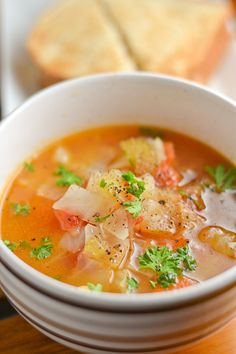 This cabbage soup recipe is healthy, vegetarian and easy to make. It consists of basic and fresh ingredients like onion, celery, garlic, carrots and cabbage fat loss diet cabbage soup Diet Recipes, Vegetarian Recipes, Cooking Recipes, Healthy Recipes, Simple Soup Recipes, Basic Soup Recipe, Vegetarian Burrito, Vegetarian Enchiladas, Lunch Recipes