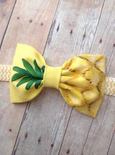 Artículos similares a Pineapple bow headbandhand painted yellow green glitter bow metallic sparkly accent baby girl en Etsy Fabric Headbands, Elastic Headbands, Baby Headbands, Baby Girl Hair Accessories, Baby Hair Bows, Diy Headband, Green Glitter, Crochet Hair Styles, Girls Bows