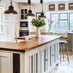Your home can look like this too if you work with Joinery Trade. Go to www.joinerytrade.com and start shopping!#decoration #stylish #website #styling #instagood #cabinetmaker #dream #style #australia #furniture #onlineshopping #cabinets #love #design #cabinet #interior #diy #kitchen #kitchendesign #home #flatpack #inspire #kitchens #joinerytrade #homesweethome #house #designer #interiordesign #create #shopping