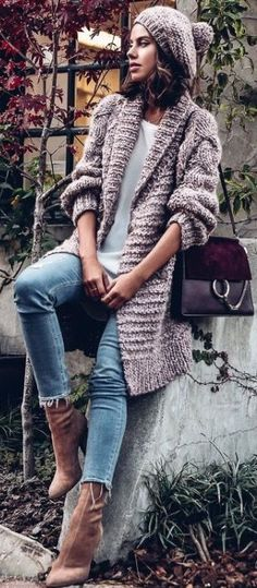 Knitting Patterns Sweaters Get the Look - casual cool November outfit Cardigan Outfits, Komplette Outfits, Fall Fashion Outfits, Fall Fashion Trends, Casual Outfits, Knit Cardigan, Cardigan Sweaters, Chunky Cardigan, Winter Outfits