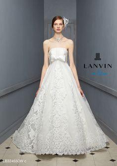 アクア・グラツィエがセレクトした、LANVIN EN BLEU(ランバン オン ブルー)のウェディングドレス、LB32455をご紹介いたします。