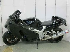 Used 2006 Suzuki Hayabusa 1300 Motorcycles For Sale in New Jersey,NJ. 2006 Suzuki Hayabusa 1300, 2006 Suzuki Hayabusa 1300 - 2006 Suzuki Hayabusa 1300 -Aftermarket fairings -Custom paint -Custom integrated tail light -Rear seat cowl (solo seat) -D&D exhaust -Tinted windscreen -Scratches on tank (pictured) -Scratches on right side panel(pictured) -Some minor surface rust As they say, it ain't bragging if it's true. So when we claim that the Suzuki Hayabusa GSX1300R is the fastest production…