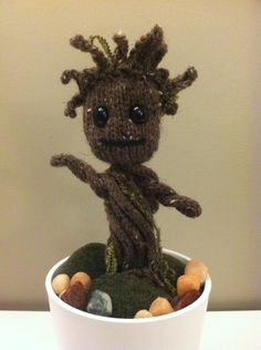 """yfwd: """"Most awesome knitted Groot I've seen so far. I may try this one. Instructions: 1. Body: Knit 4 stitch icord to the length of a pipe cleaner/chenille stem. (Make 6) Slide pipe cleaner into center of each icord. 2. Head: cast on 21 st in round,..."""
