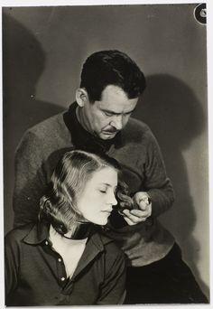 * Lee Miller circa 1930 (avec le collier créé pour Marjorie Seabrook) - photo Man Ray (1890 - 1976)