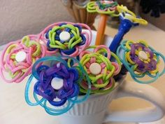 Rainbow Loom PENCIL CHARM (Easy). Tutorial by TheParentingChannel. Click photo for YouTube tutorial. 03/03/14.