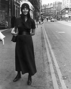 Ali MacGraw Looks So Good In Short Shorts Back In The Day (PHOTO)