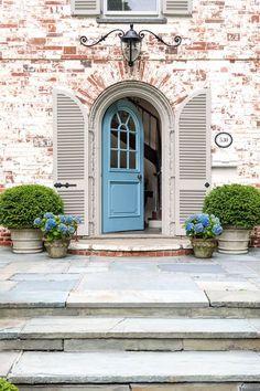 30 Best Front Door Paint Colors - Beautiful Paint Ideas for Front Doors - My Hom. Front Door Paint Colors, Painted Front Doors, Front Door Decor, Front Porch, Best Front Doors, Modern Front Door, Entrance Doors, Patio Doors, Garage Door Design