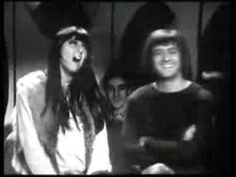 I Got You Babe - Sonny and Cher Top of the Pops 1965...I so loved them together.