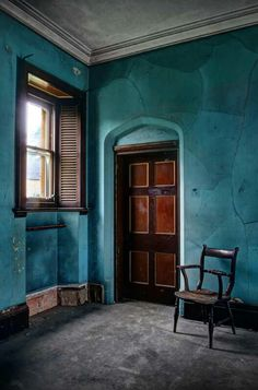 Matt Emmet (forgottenheritage): The stunning 'blue room' at a derelict house in the UK Motivational Wallpaper, Inspirational Wallpapers, Derelict House, Name Wallpaper, Dream Wall, Blue Rooms, Abandoned Houses, Abandoned Places, Color Theory
