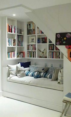 Living Room Storage, Living Room Decor, Bedroom Storage, Small Rooms, Small Spaces, Kids Rooms, Home Library Rooms, House Stairs, Book Stairs