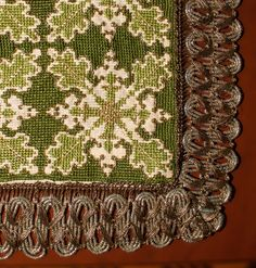 Cross Stitch Embroidery, Cross Stitch Patterns, Needlepoint, Pattern Design, Needlework, Wedding Gifts, Bohemian Rug, Old Things, Floral Designs