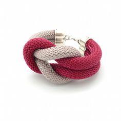 http://www.perlescorner.com/collections/bracelet-noeud-infini