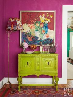 Using one of three complementary color pairings (red and green, purple and yellow, blue and orange) is a surefire way to create a bold and beautiful space. Discover our favorite color schemes featuring complementary colors. Shabby Chic Furniture, Painted Furniture, Green Furniture, Luxury Furniture, Room Colors, Paint Colors, Lavender Walls, Deco Cool, Pink Bedding