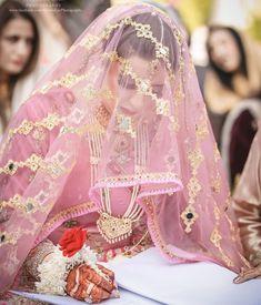 Image may contain: 1 person Walima Dress, Pakistani Dresses, Bridal Makeup Looks, Bridal Looks, Bridal Style, Nikah Ceremony, Pakistan Wedding, Hijab Bride, Muslim Brides