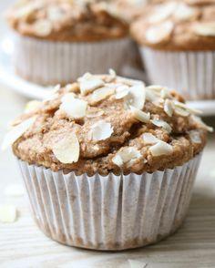 Zondag is bakdag! Vandaag dook ik de keuken in om deze heerlijke healthyAppel-Kaneel Muffins te bakken. En ze zijn zó lekker! Heerlijk zoet en lekker smeuig, en nog gezond ook! Lekker bij de koffi…