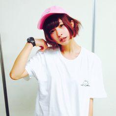 バンドじゃないもん!甘夏ゆずさんにやさしいうさぎのTシャツを着用してもらいました T Shirts For Women, Tops, Fashion, Moda, Fasion, Trendy Fashion, La Mode